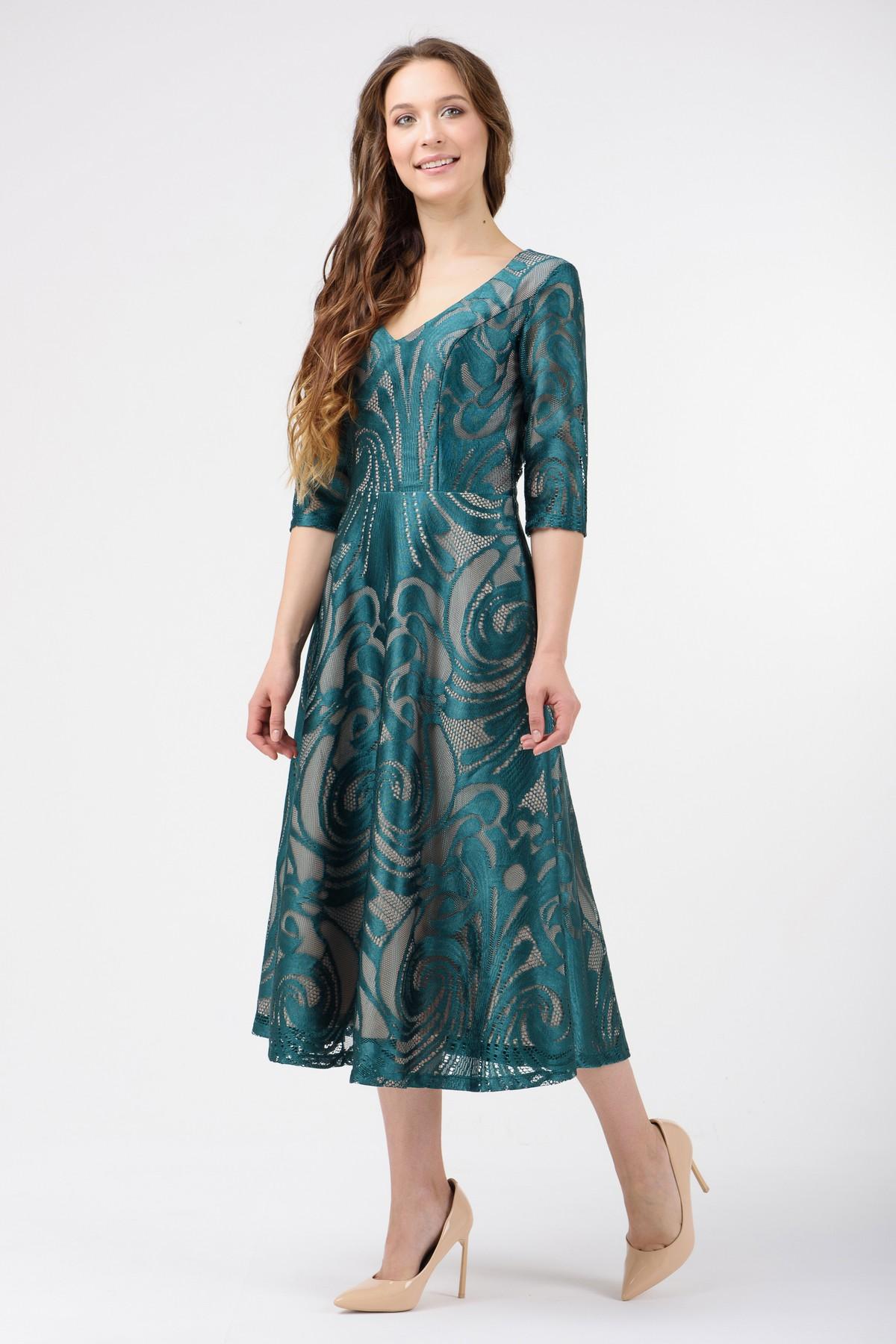 cd9a21627c3 Коктейльное платье ниже колена с гипюром