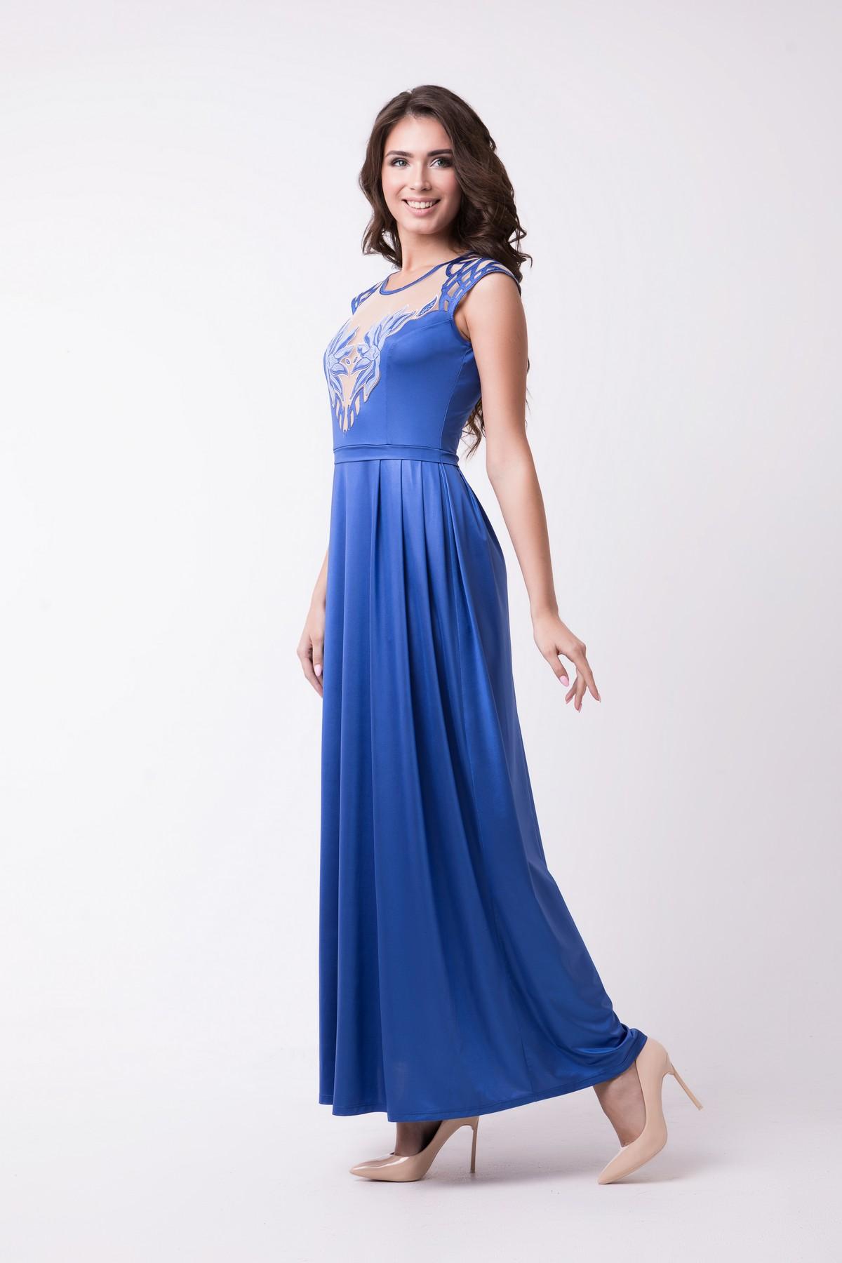 4e1d547045a Вечернее платье в пол с вышивкой