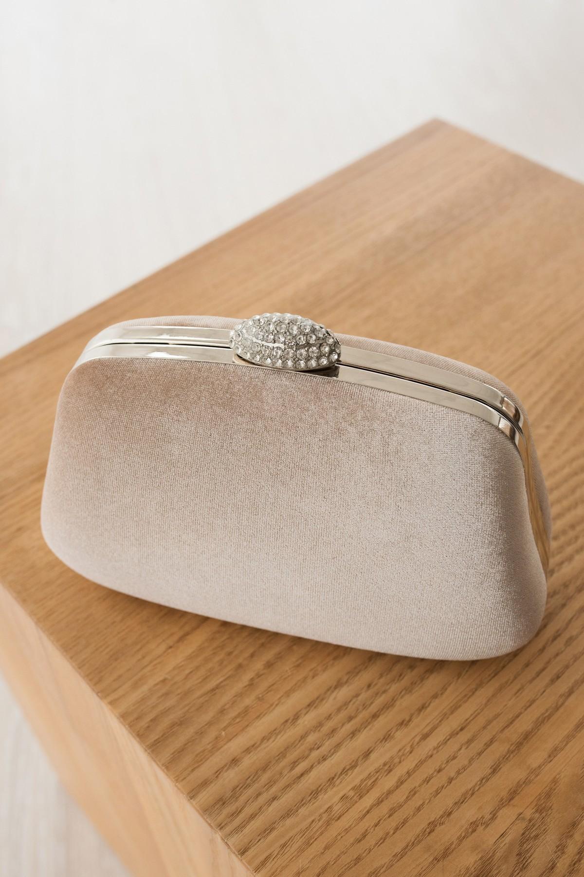d914539ad599 Клатч на цепочке | Купить клатч за 900 грн. в интернет-магазине RicaMare