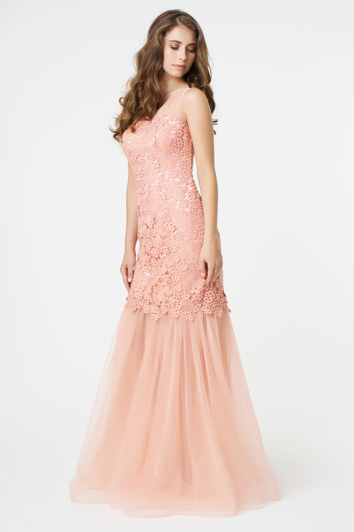 b5a9b4297a1 Вечернее платье в пол из гипюра и шифона